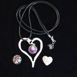 Jewelry - NWOT SNAP HEART NECKLACE WITH 3 SNAP CHARMS!